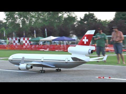 Large Rc McDonnell Douglas MD-11
