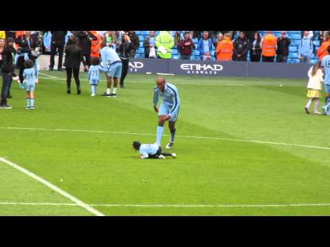 MCFC - Vincent Kompany's professional foul on  daughter.