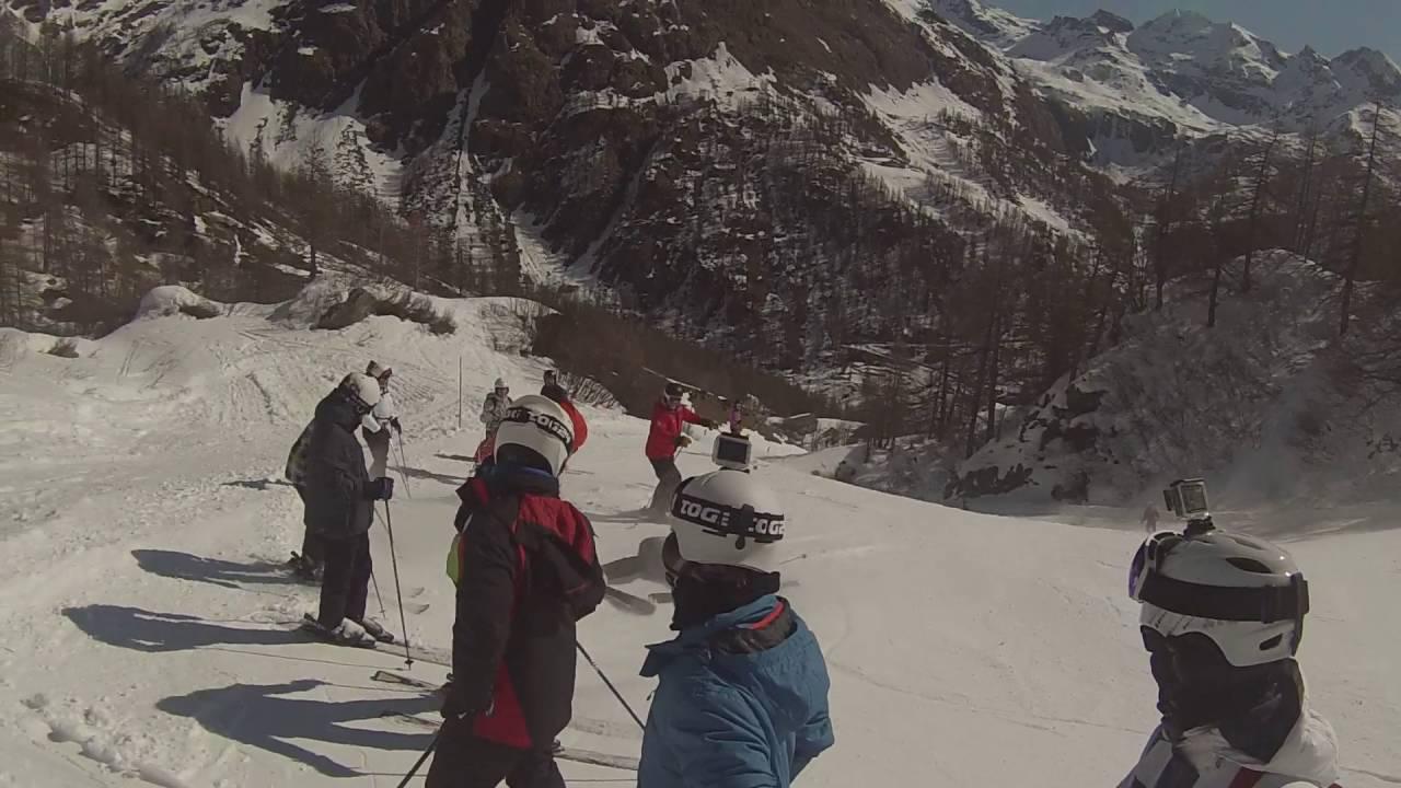 Skiiing in champoluc
