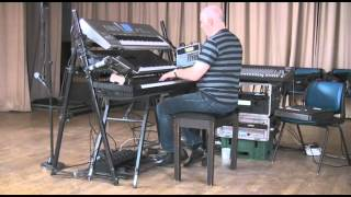 Alan McPike plays I