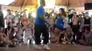 Download Video یکی از قشنگترین رقص هایی که اخیرا دید٠MP3 3GP MP4