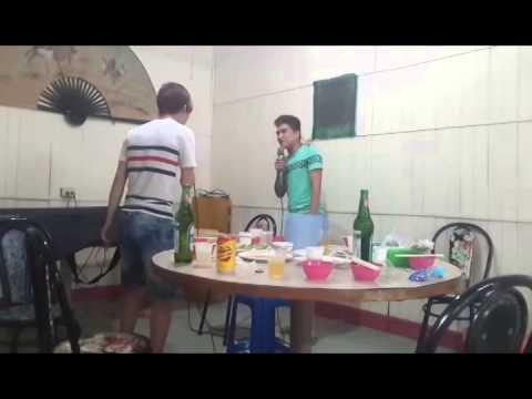 Ăn chơi trác táng :v
