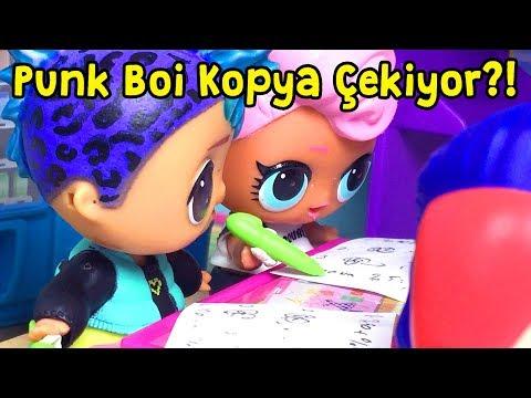 LOL Punk Boi Okulda Kopya Çekmeye Çalışırken Yakalanıyor!