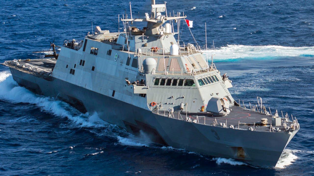 沿海域戦闘艦が日本に初寄港・フォートワース(LCS-3) 佐世保 - YouTube