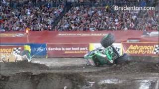 Grave Digger loses wheel, ends up upside down during freestyle (2012) (720p)