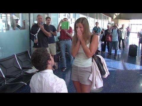 Flight crew helps man stun girlfriend