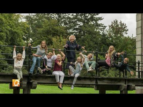 Prinses Beatrix viert haar 80ste verjaardag - RTL BOULEVARD