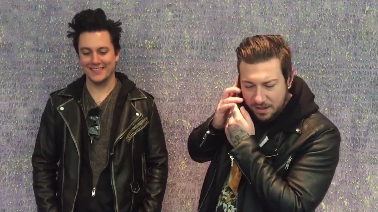 Synyster Gates Zacky Vengeance Tour Liner Outtakes Youtube