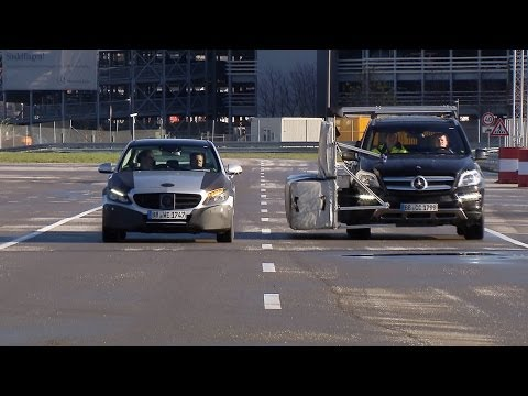 Michael schumacher tests mercedes benz intelligent drive for Schumacher mercedes benz az