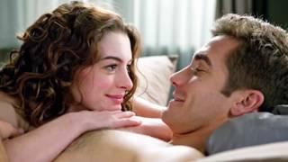 8 неловких моментов случившихся со звездами во время съемок постельных сцен