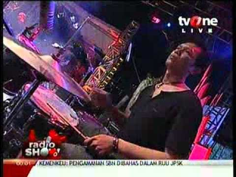 Eki Lamoh & Bhalak band (from Semarang) @RadioShow_tvOne 2012_05_22_23_57_00.mp4