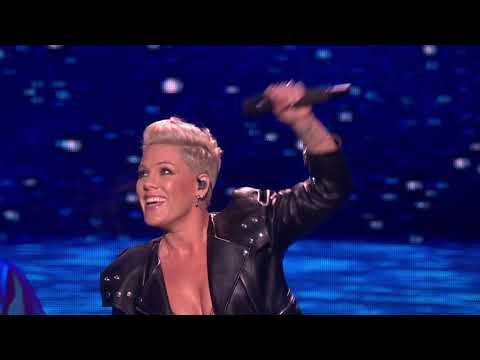 Jana - Pink's 11 minute medley at the BRIT's, AMAZING!