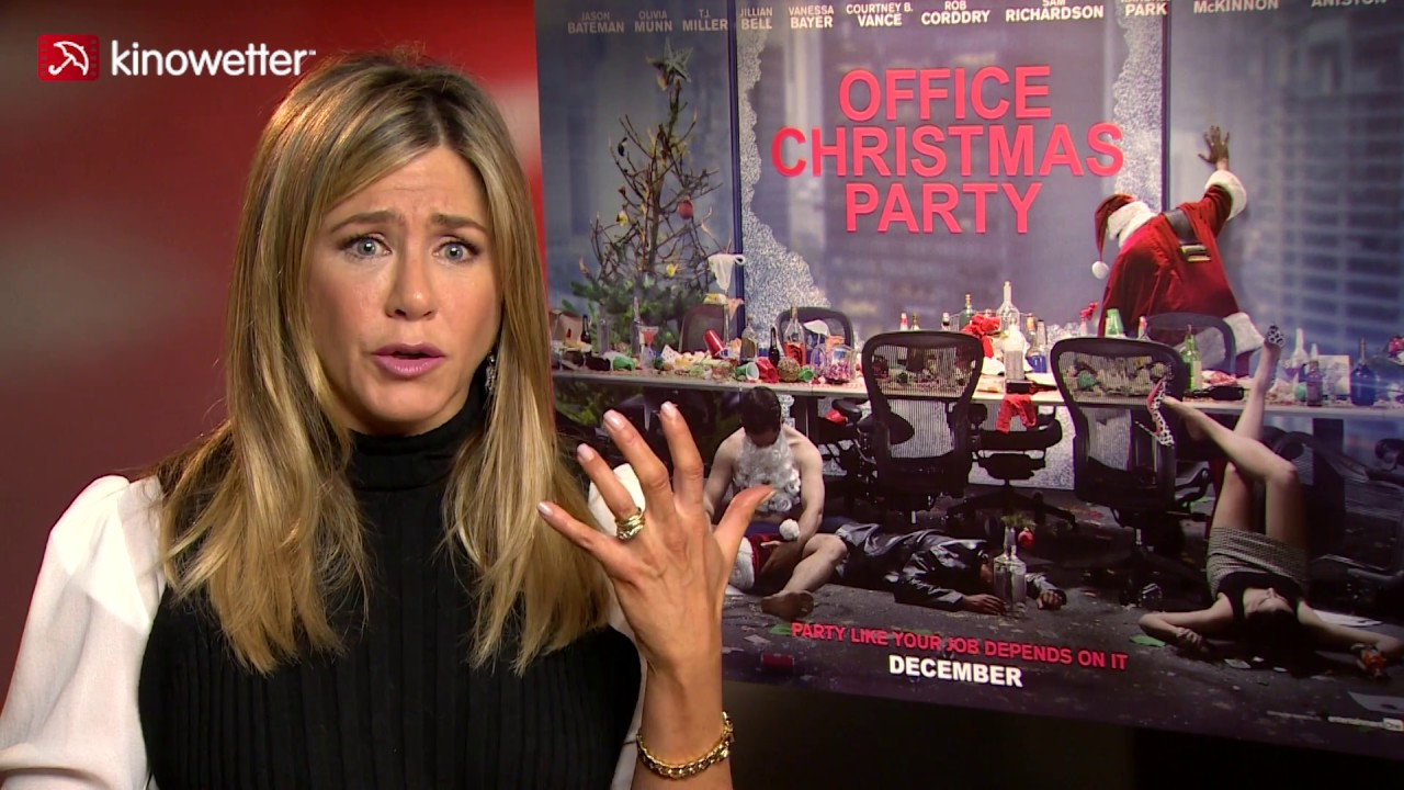 Interview Jennifer Aniston OFFICE CHRISTMAS PARTY - YouTube