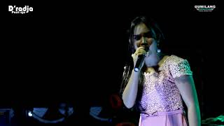 Download lagu BAGAI LANGIT DAN BUMI - MAYA SABRINA - DRADJA WEDELAN WEDDING FEBRI & ANGKI