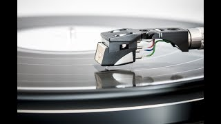 What is the RIAA curve for vinyl?