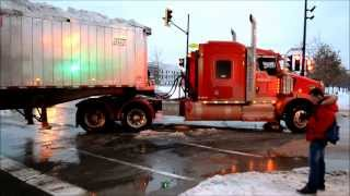 DUMP TRUCKS USED IN SNOW REMOVAL - MONTREAL