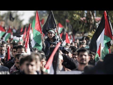 مظاهرات عارمة في غزة ضد خطة ترامب للسلام  - نشر قبل 4 ساعة