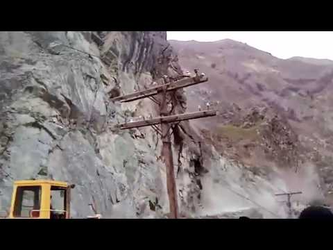 Massive Landslides caught on camera 4