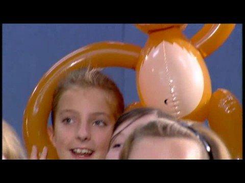 Aled Jones & Lindley Junior School - Unicorn song