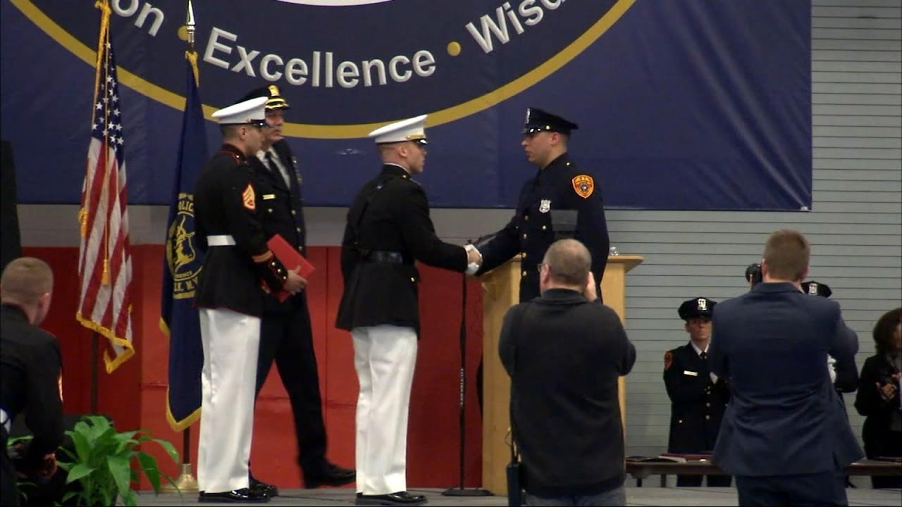Veteran becomes 1st double amputee in the US to become police officer