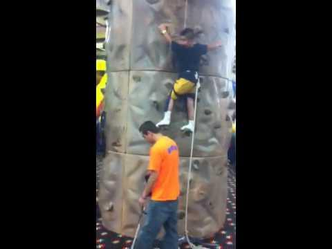 Cliffhanger in training