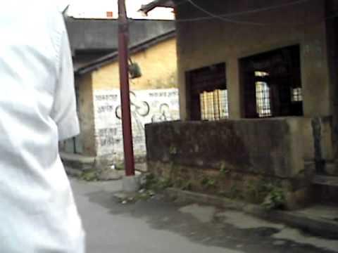 Kolkata: South Sinthee Road
