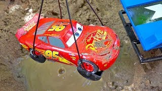 맥퀸 자동차 구출놀이 도와주기 중장비 자동차 포크레인 모래놀이 Car Toys Rescue Helps Excavator