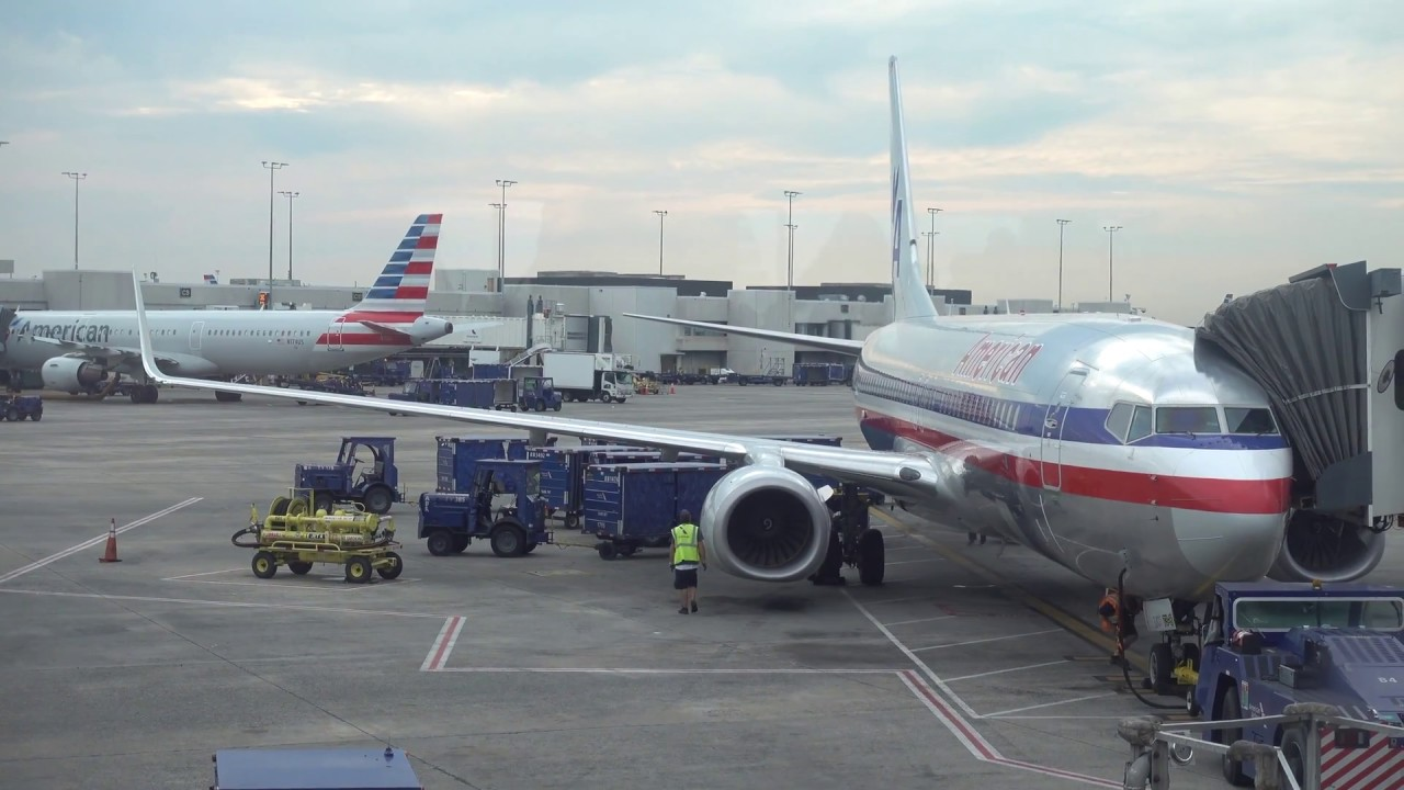 American Airlines Boeing 737-800 / Charlotte to New York ...