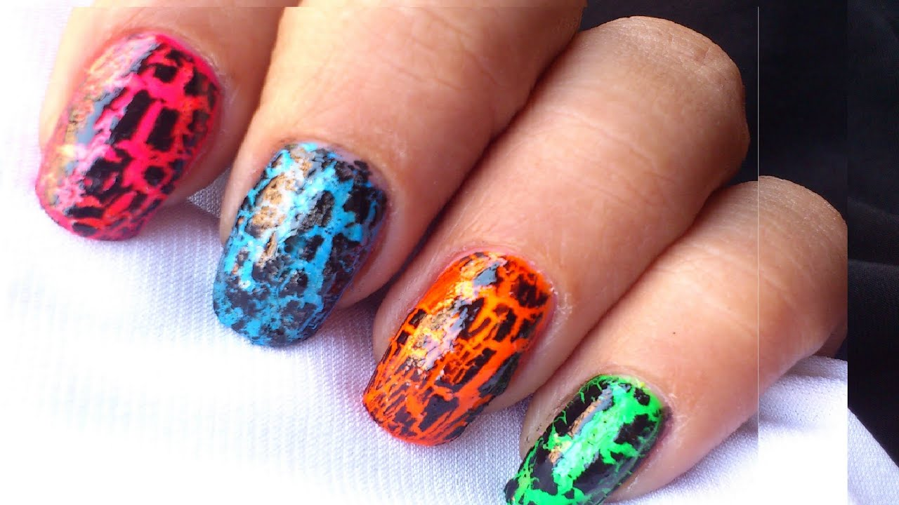 How to Use Crackle Nail Polish? : Tutorial - YouTube