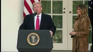 El presidente Trump encabeza la ceremonia del 'perdón del pavo'.
