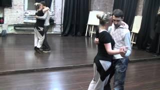 Видео: Импровизация на базе связок первых шести уроков по кизомбе (младшая группа)
