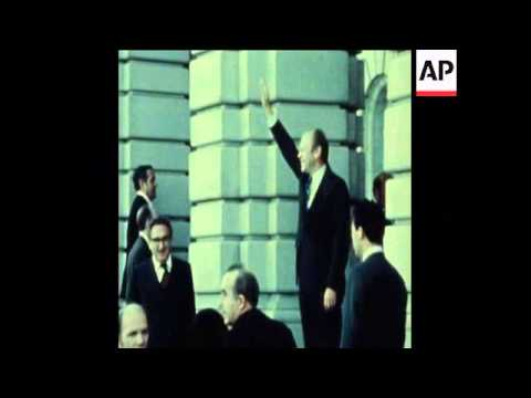 SYND 19 11 74 US PRESIDENT GERALD FORD COMES TO JAPAN