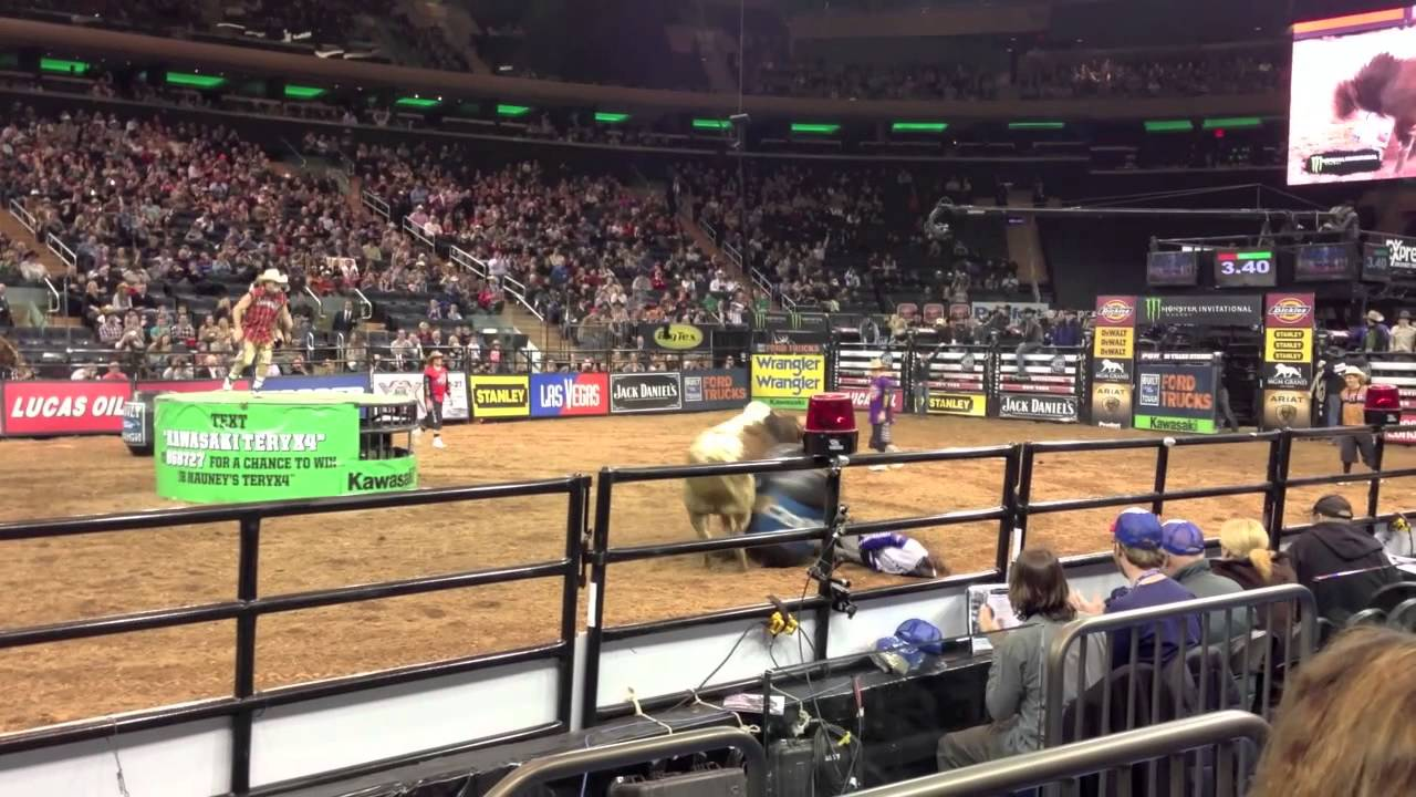 pbr professional bull riders madison square garden new york city jan 6 2013 youtube