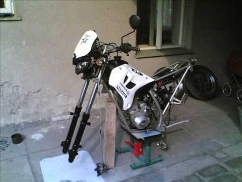 SkyTeam SM 125 motard