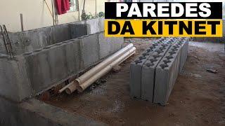 Construção das paredes da kitnet.