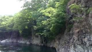 ラフティング水上(春)  ガイドジャンプ