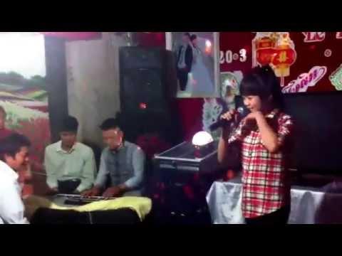 tung bung dam cuoi o thon que thach loi 20/3/2014