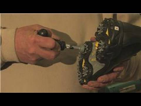 Golf Equipment : How to Remove Stuck Golf Spikes