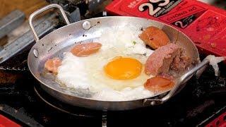 Vietnamese breakfast (Eggs, Ham, Sausage, Sandwich) - Vietnam street food