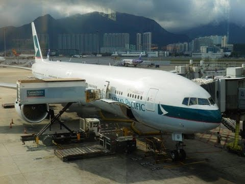 Cathay Pacific Boeing 777-300ER business class Hong Kong to Beijing (+ First Class lounge)