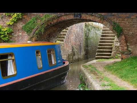 Narrowboat film with trad. dulcimer music