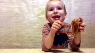 SOS!!! Ребенок съел лизуна!!! ЖЕСТЬ!!! Что делать? PRANK child ate handgun