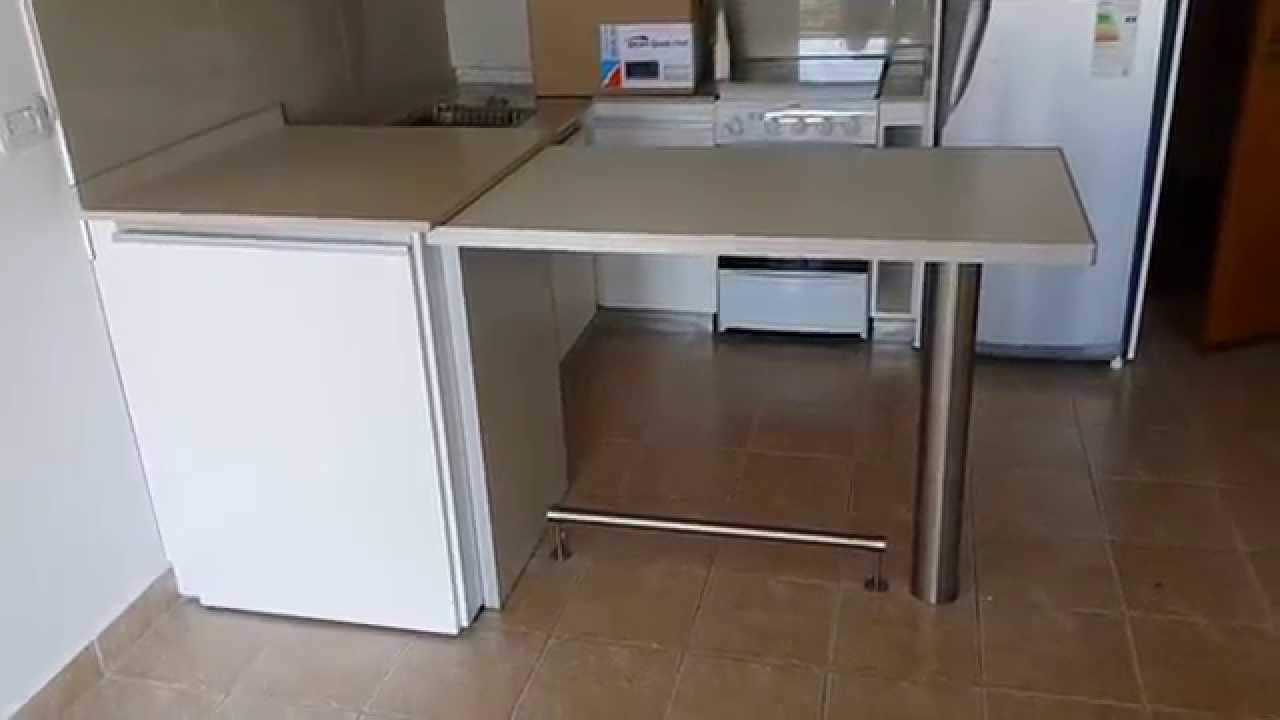 Desayunador columna de acero inoxidable barra fabrica for Barras para cocina y desayunadores