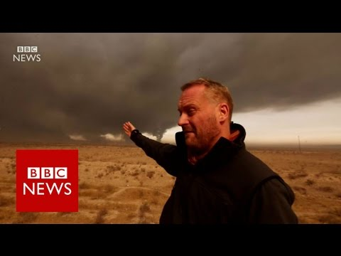 IS oil wells set on fire as Iraqi troops approach Mosul - BBC News