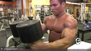 Brandon Williams Uses 150lb Dumbbells for Chest Press