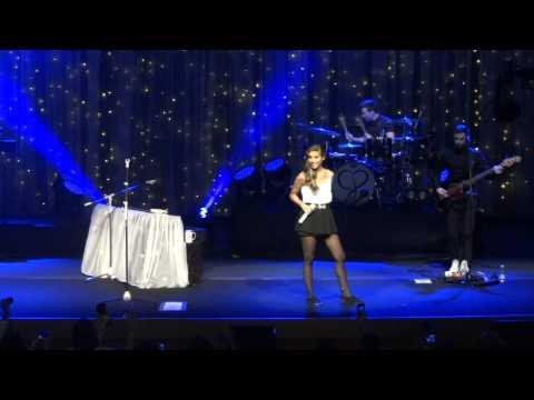 Trust - Christina Perri in São Paulo - Head or Heart Tour Brazil