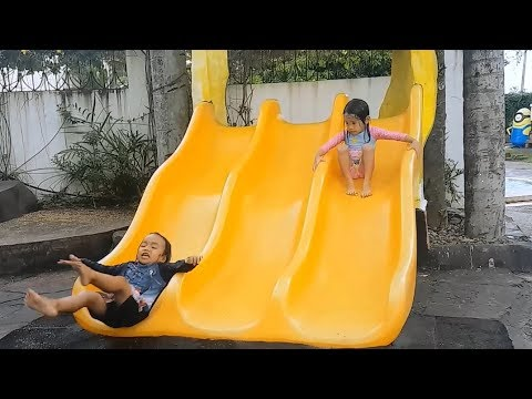 Playground Slides with Yohan - Donna The Explorer