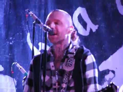 Backyard Babies - A Song For The Outcast (Live In Moscow, 12.02.2017) mp3