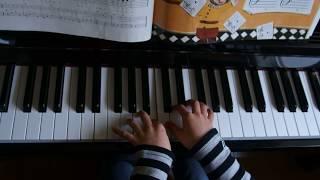 両手で弾く事にチャレンジします。 カワイこどもピアノ教室の体験談、サ...