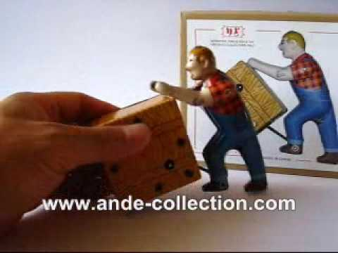 Tin Toy Wind Up Cargo Transport Worker MS475